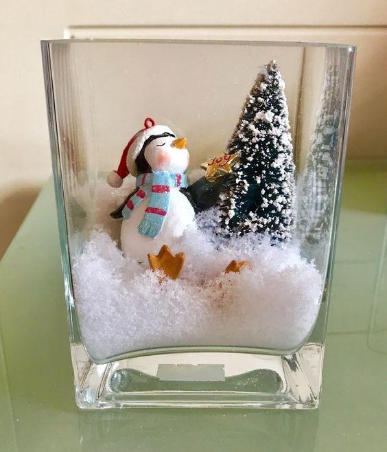 Простой новогодний декор в вазочках с искусственным снегом