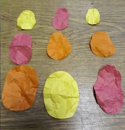 Аппликация-пейзаж из мятой цветной бумаги