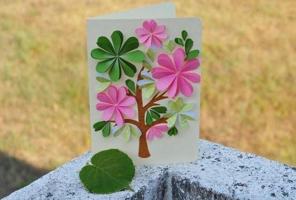 Открытка с цветущим деревом 0