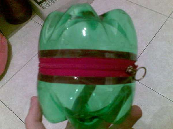 Лягушка из пластиковых бутылок 3