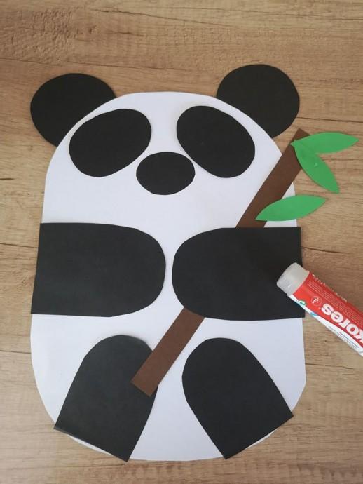 Панда из цветной бумаги