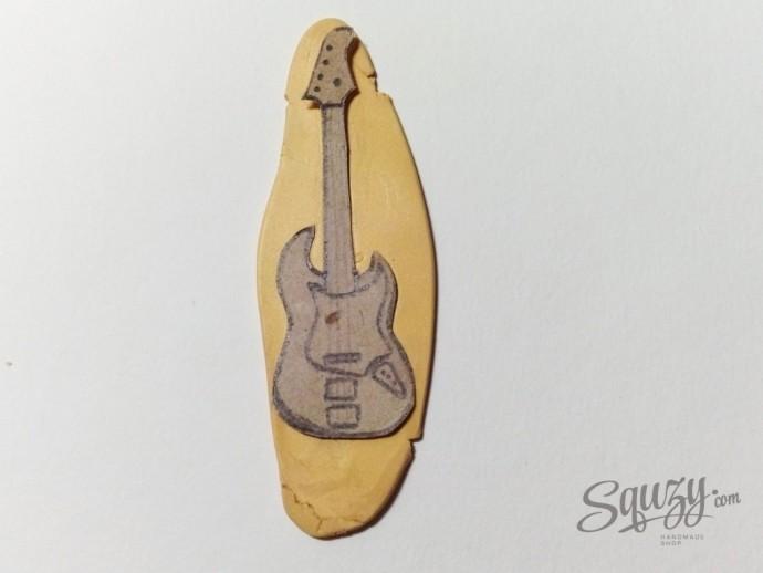 Бас-гитара из полимерной глины