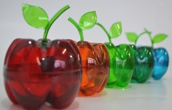 Яблочко из пластиковой бутылки