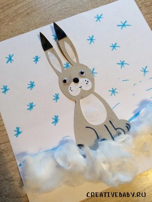 Зайчик среди снега