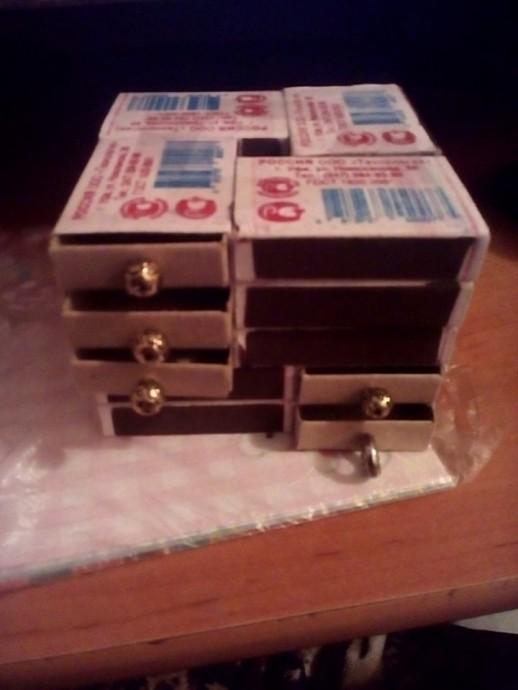 Комодик из спичечных коробков