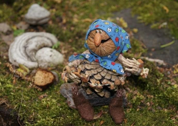 Человечки из шишек: идеи для детского творчества