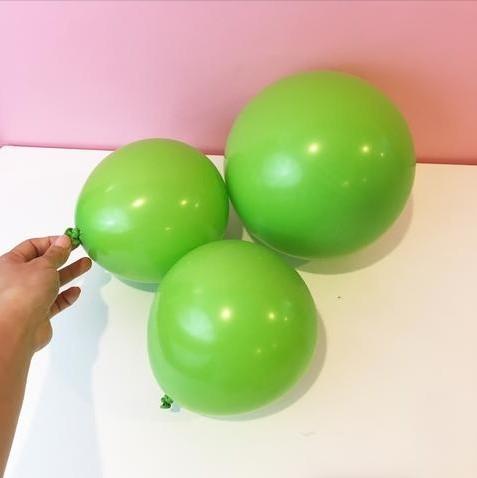 Кактус из воздушных шариков
