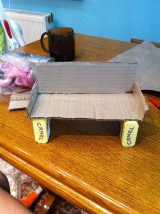 Диванчик для куклы из картона