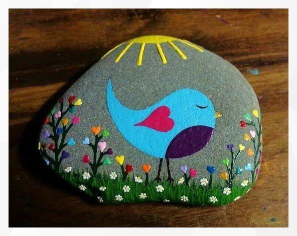 Идеи того, как можно разукрасить камушки