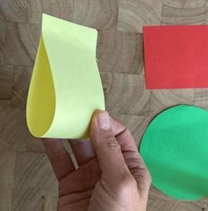 Гриб из цветной бумаги