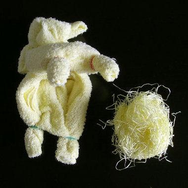 Делаем с детьми собачку из полотенца 8