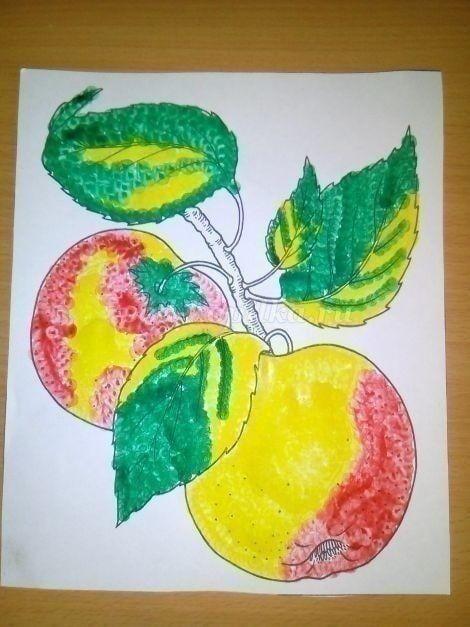 Ветка с яблоками, которая нарисована ватными палочками