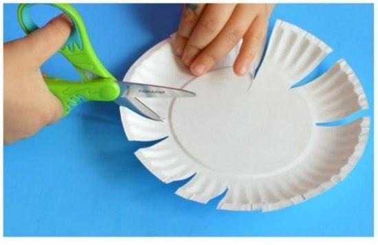 Цветочки из бумажных тарелок 1