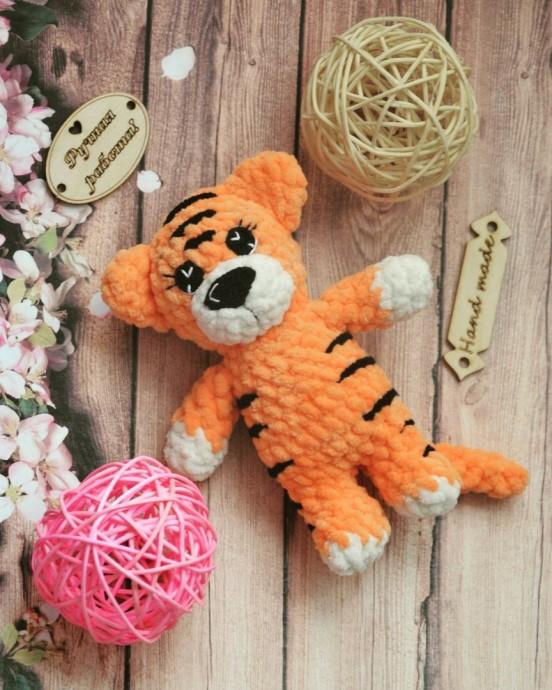 Тигр минимального размера крючком