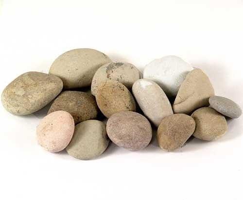 Делаем с детьми клубничку из камней