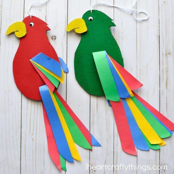 Один из самых простых способов сделать птичек детскими руками