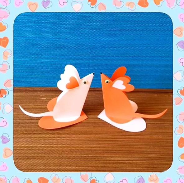 Милые мышата, полные любви