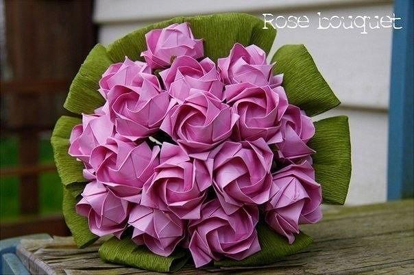 Сложные розы из бумаги