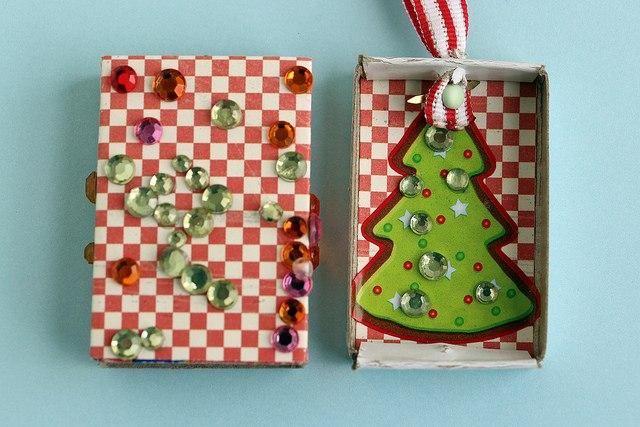 Необычные елочные игрушки из спичечных коробков 2