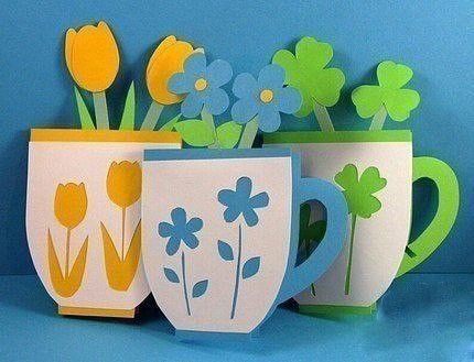Открытка в виде чашки с цветами