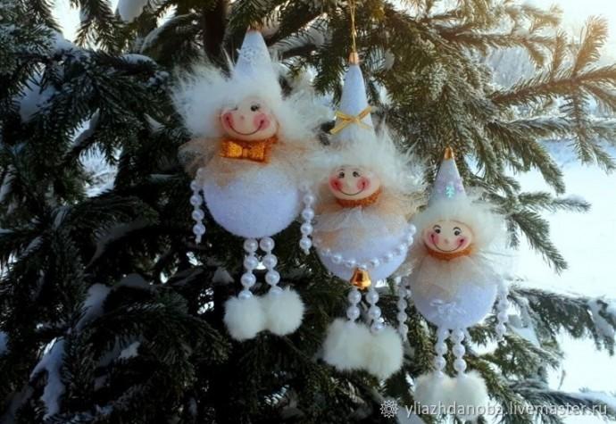 Создаем снеговичков своими руками