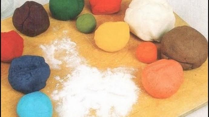 Как красить солёное тесто для поделок с детьми