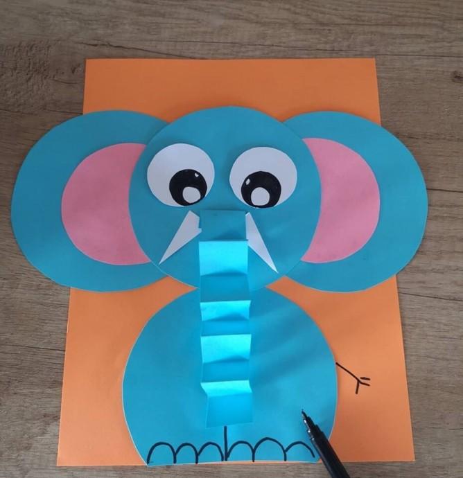 Поделки с детьми: слон из бумаги
