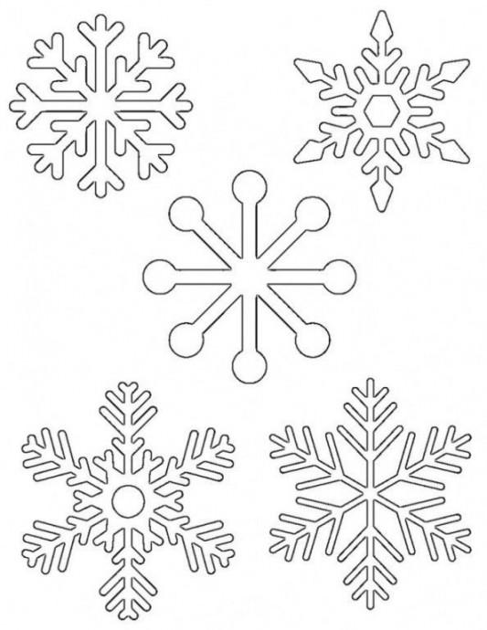 Снежинки своими руками из витражных красок 3
