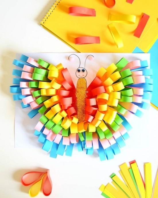 Объемная бабочка из полосок бумаги