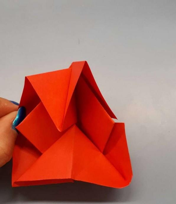 Чудесный цветок оригами 12
