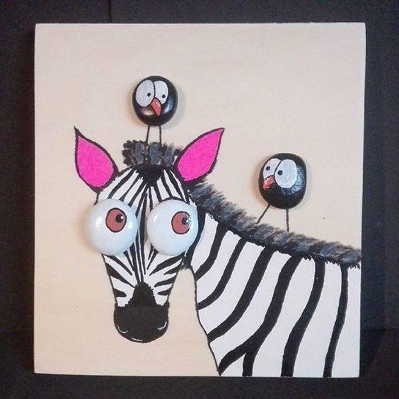 Милые панно со зверушками из разрисованной гальки