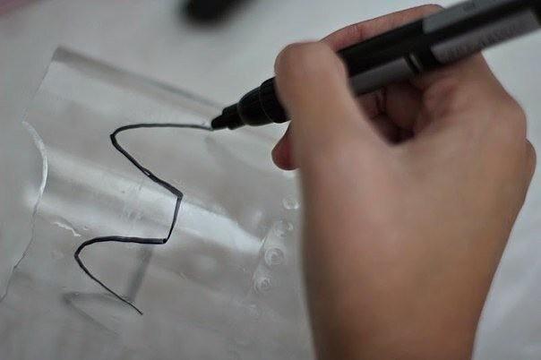 Вазочка из пластиковой бутылки