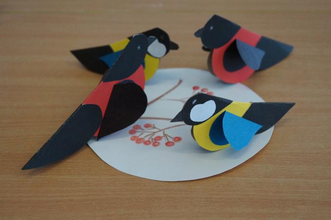 Создаем зимних птичек из бумажных сердечек
