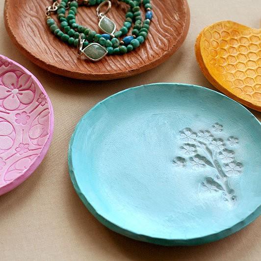 Декоративные тарелки детскими руками