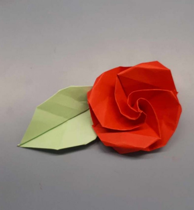Чудесный цветок оригами 0