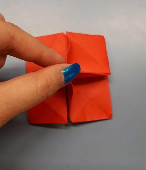 Чудесный цветок оригами 18
