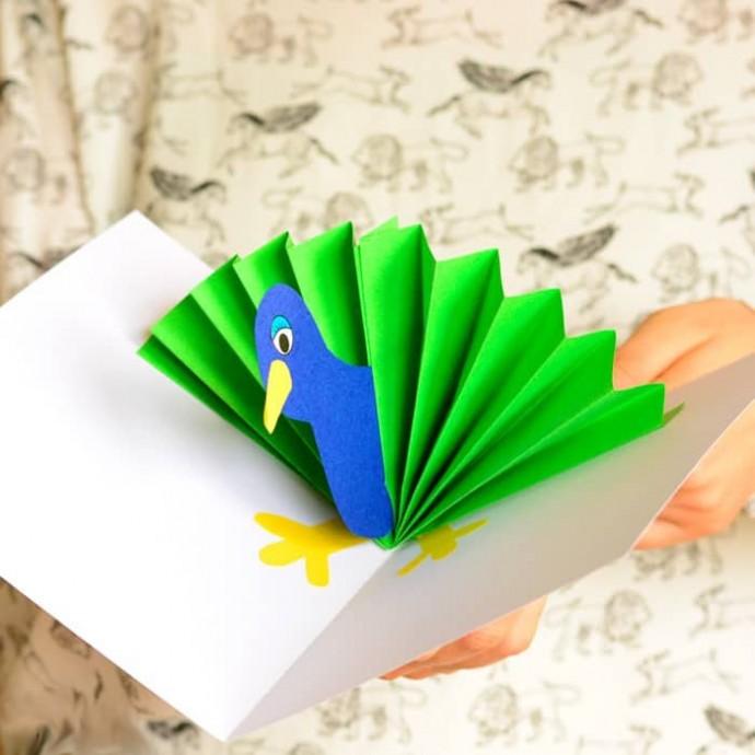 Объемная открытка с павлином