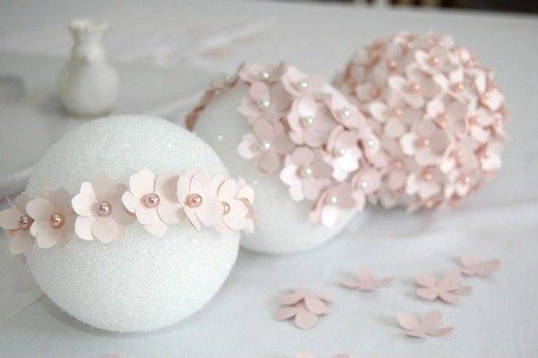 Декоративный шар с цветами