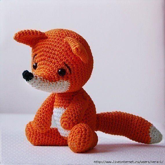 Вязаная лисичка