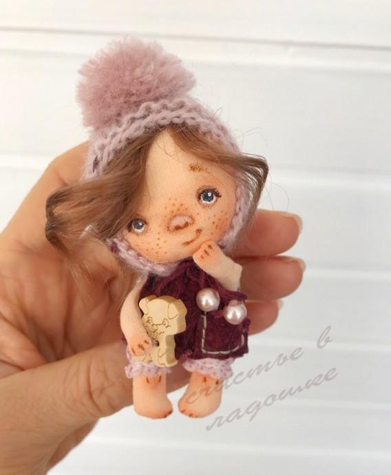 Куклы-брошки