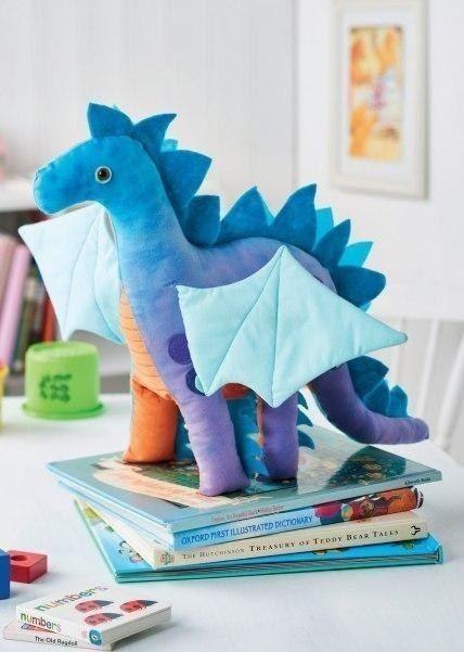 Текстильная игрушка в виде дракончика