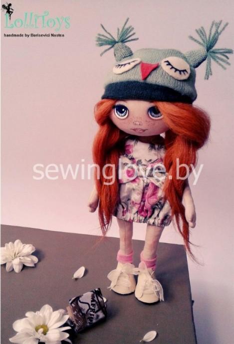 Текстильная кукла с проволочным каркасом