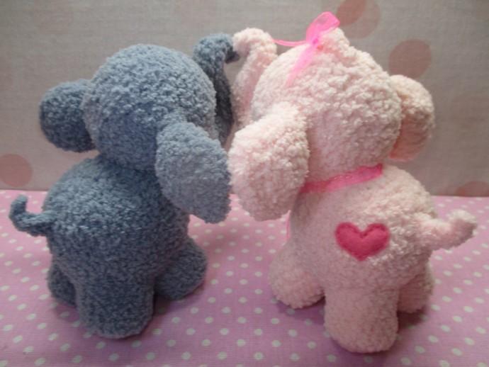 Вязаные плюшевые слоники