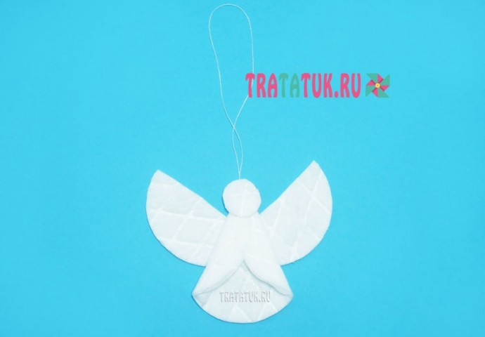 Милый ангелочек из ватных дисков и пайеток