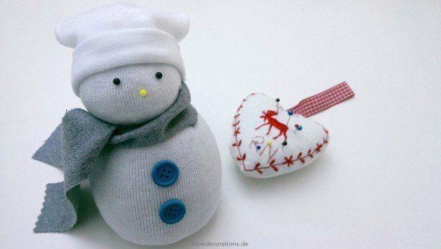 Снеговик из носков 9