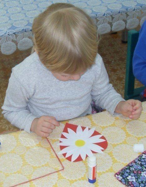 Валентинка в виде цветка на сердце
