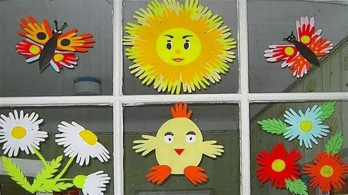 Идеи веселых аппликаций на основе контуров детских ладошек