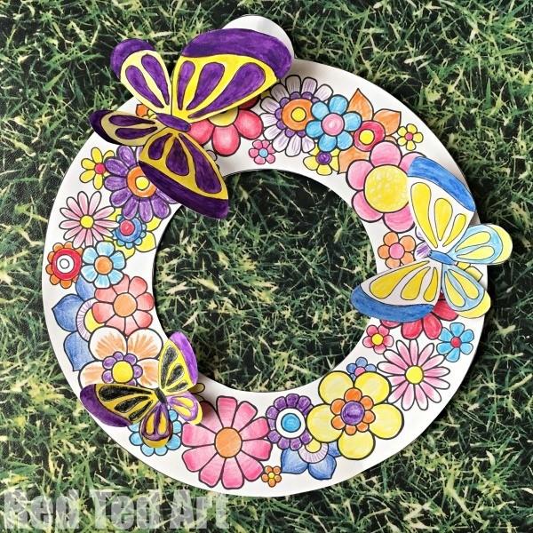Весенний венок с цветами и бабочками