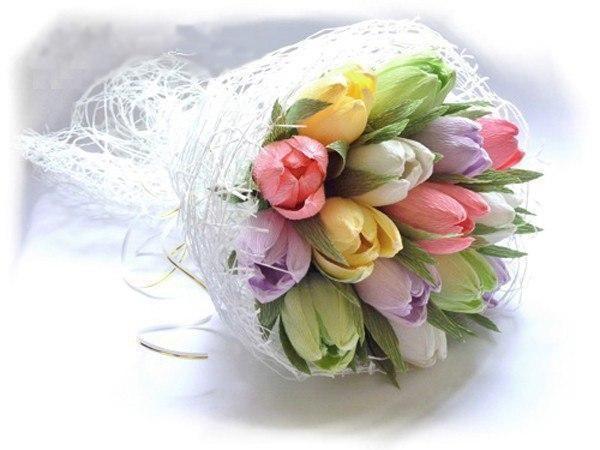 Букет тюльпанов с конфеткой внутри