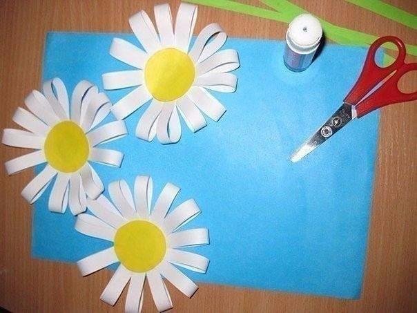 Объёмные ромашки из цветной бумаги
